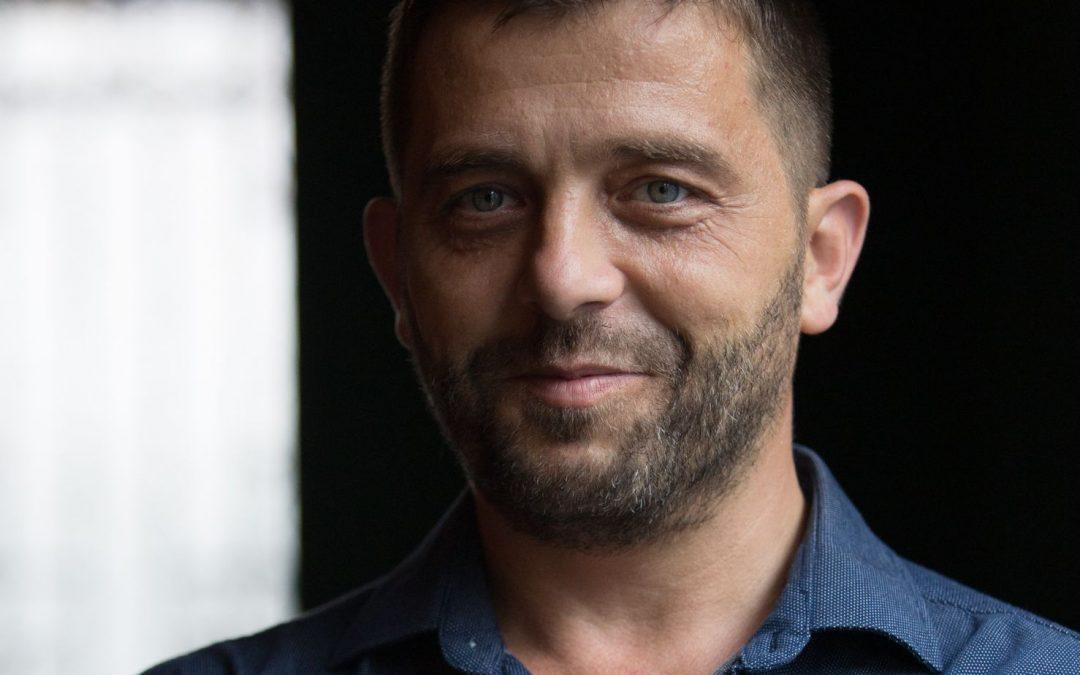 """Lansare de carte """"Străbunicii"""", cu Bogdan Stoica"""