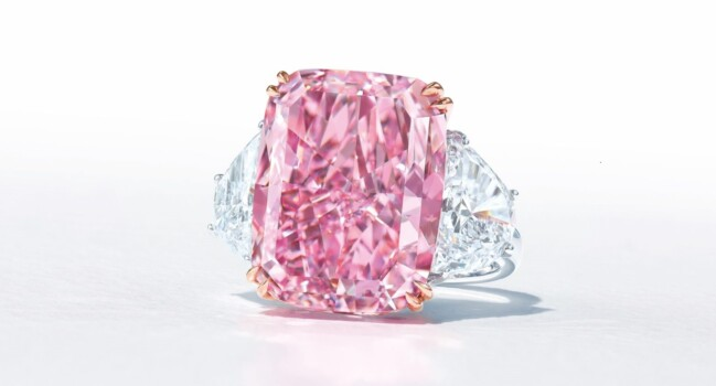 Sakura, cel mai mare diamant roz, s-a vândut cu aproape 30 de milioane de dolari